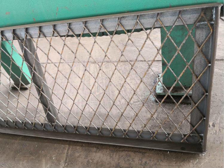 亚奇钢板网系列:脚踏板楼房工人钢笆踏板-电厂楼梯钢板网示例图6