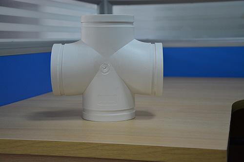 沟槽式HDPE超静音排水管,沟槽式HDPE平面四通,hdpe沟槽管示例图3