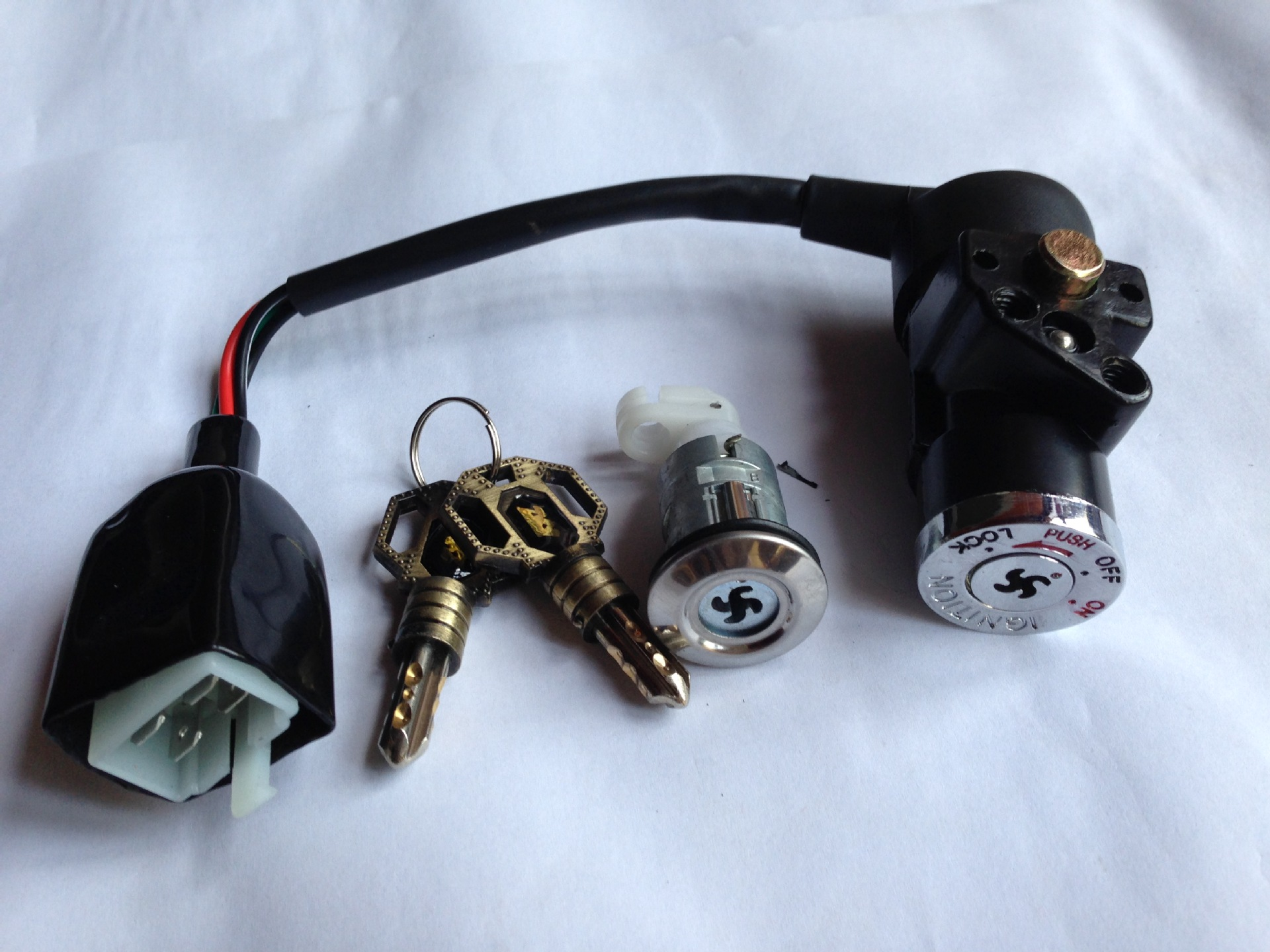 厂家直销摩托车锁十字锁电门锁摩托车套锁