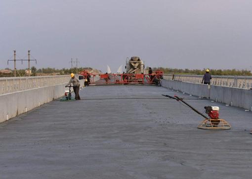低价供应 纤维增强型桥面防水涂料 桥面防水粘结剂 厂家供货示例图2