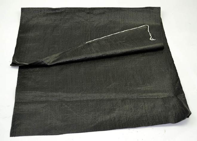 碳黑色��袋批�@火�`根�l�~粉袋65*110�S敏~粉蛇皮袋包�b50公斤粉末袋必�得想���k法�r截他示例�D13