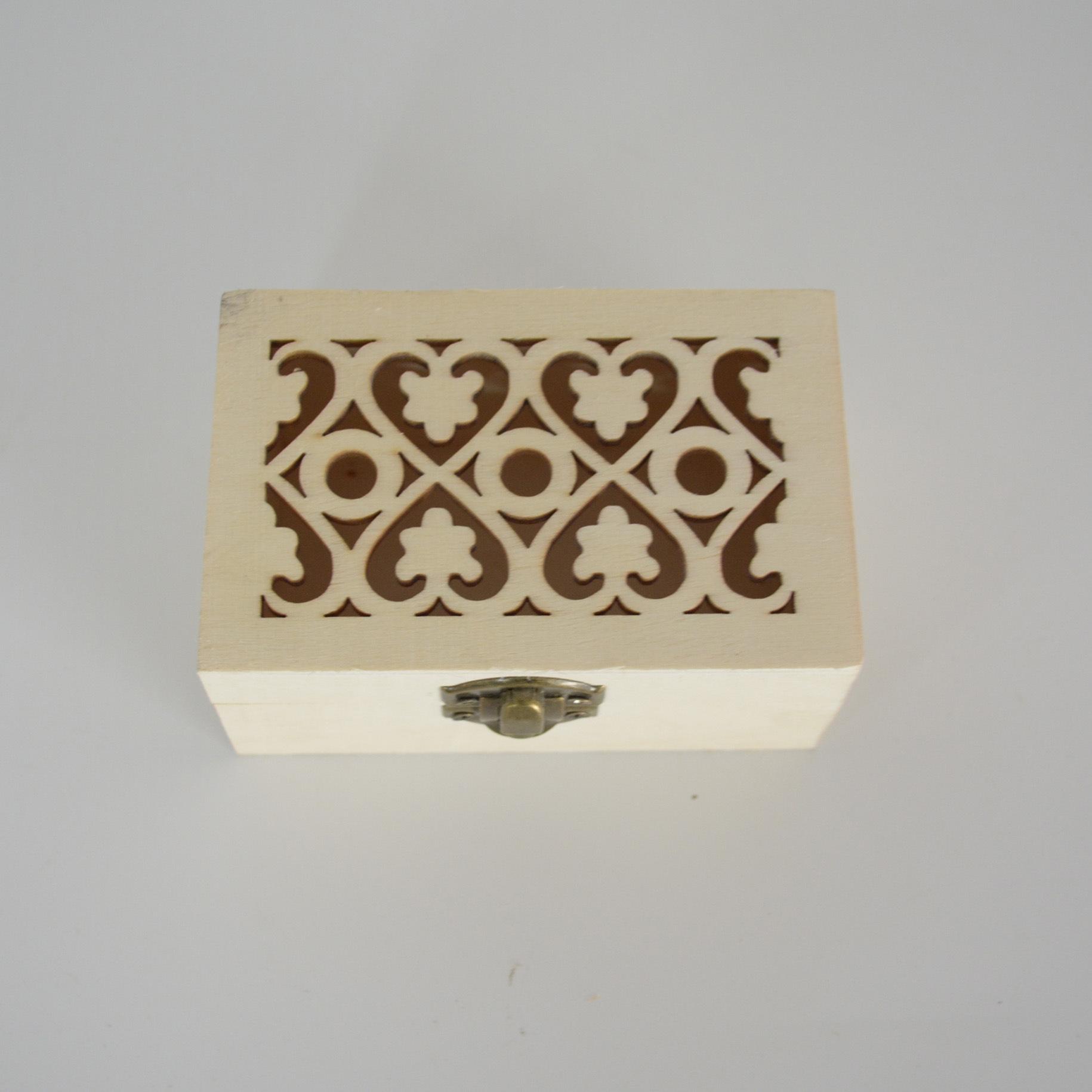 批发创意木制镂空收纳木盒首饰饰品包装礼品盒精油定做小木盒