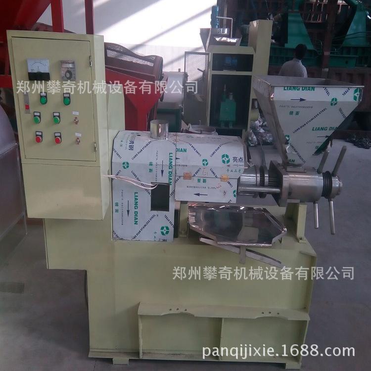 新型螺旋榨油机多功能自动控温葵花籽榨油机货到付款示例图4