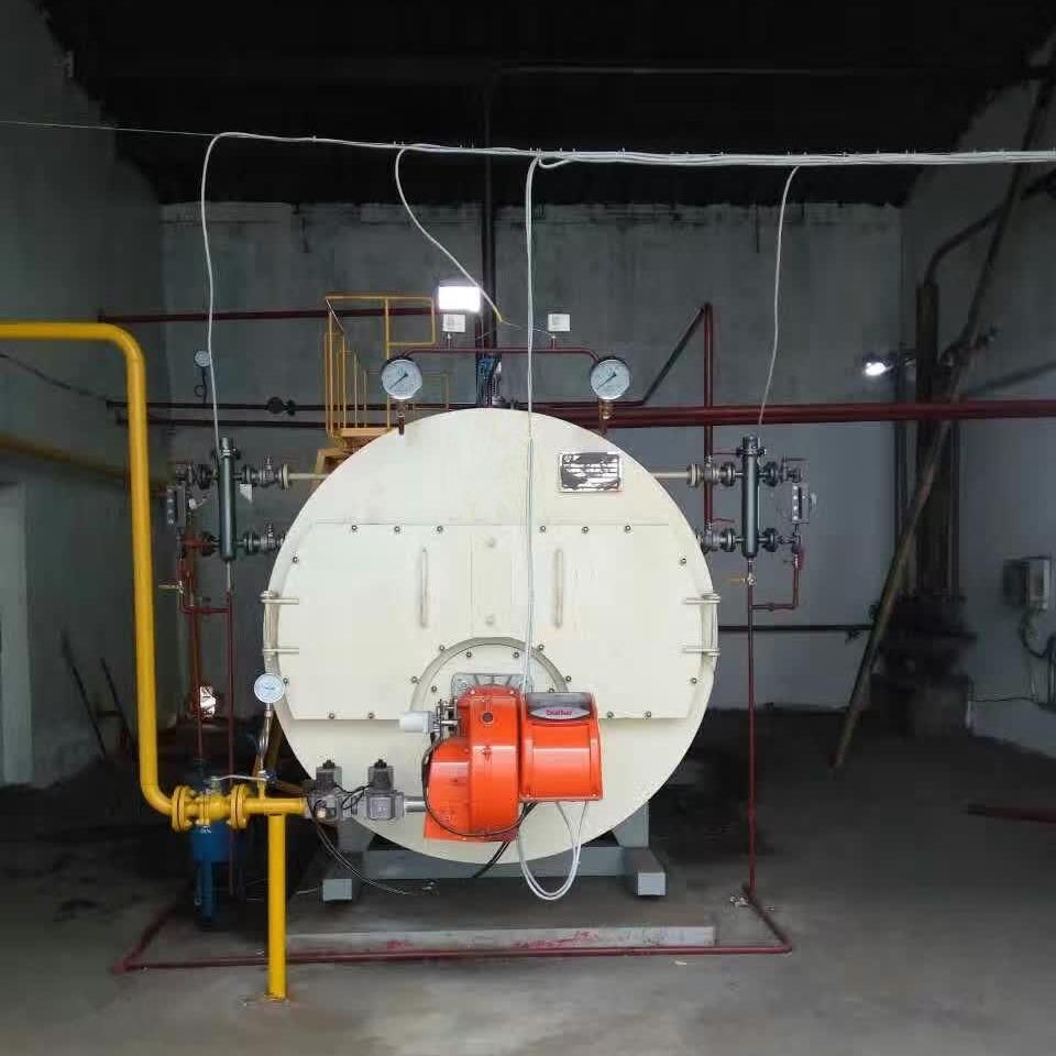 青島鍋爐廠家直銷 臥式 三回程 濰坊2噸1.25公斤燃油燃氣蒸汽鍋爐