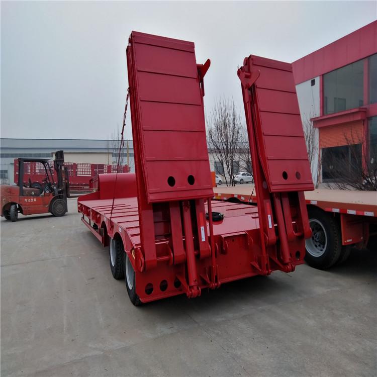 超长平板半挂车和超长集装箱骨架车标准5.5吨13米钩机板盘子7.8吨示例图1