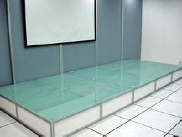 展览展会汽车玻璃展示地台 车展钢化玻璃可以发光的地台安装搭建