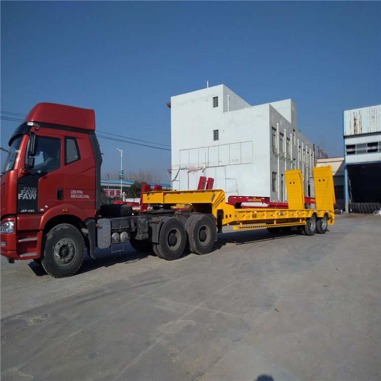 超长平板半挂车和超长集装箱骨架车标准5.5吨13米钩机板盘子7.8吨示例图5