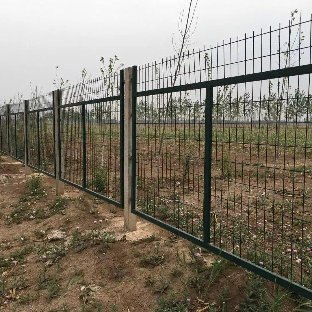 铁路防护栅栏报价,金属网片防护栅栏,桥梁防护栅栏
