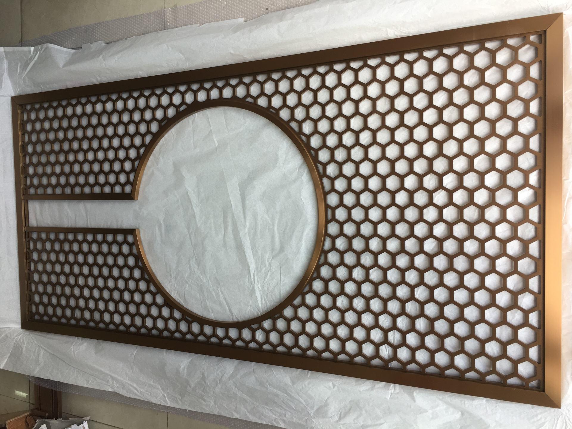 工程专用仿木纹铝窗花 铝窗花价格 仿木铝窗花厂家示例图1