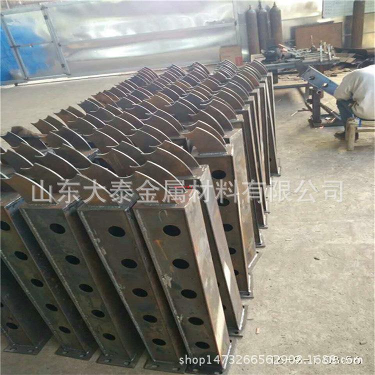 威海304不銹鋼復合管護欄廠家 定做橋梁護欄立柱量大優惠價格示例圖2