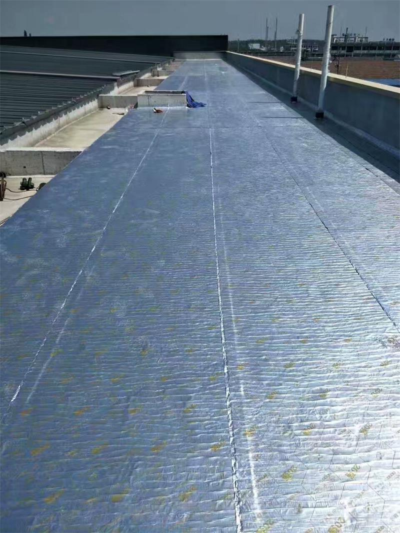 野麦龙彩钢瓦屋面高温抗耐老化防水卷材示例图8