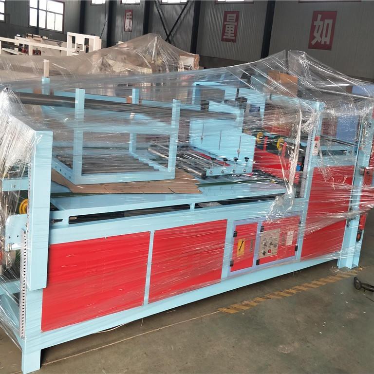 鑫亿东光设备半自动粘箱机  半自动糊盒机  粘箱机直销厂家