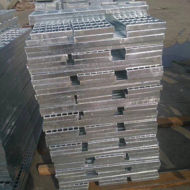 鋼格板廠 直銷 鋼梯踏步板 走道踏步板