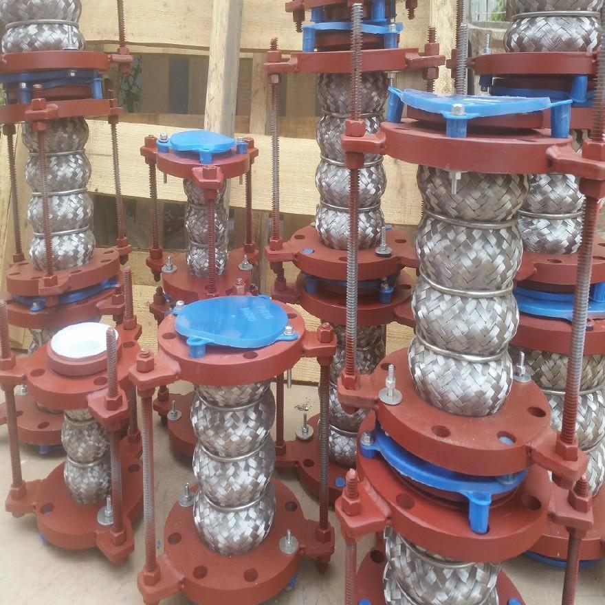 补偿器厂家供应 钢衬四氟补偿器 不锈钢膨胀节补偿器示例图8