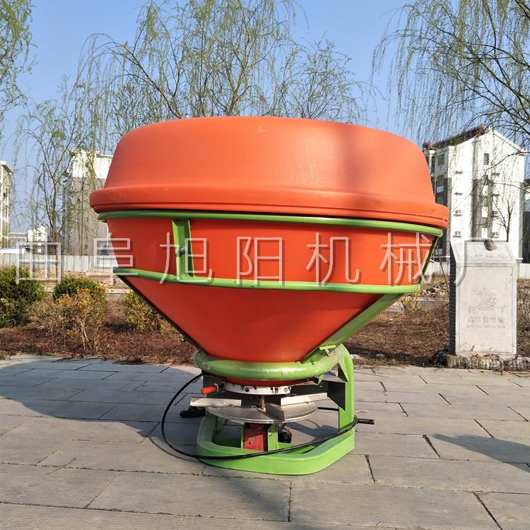 农用后置撒肥机 颗粒肥悬挂撒肥机 传动轴输出撒肥机山东直销示例图6