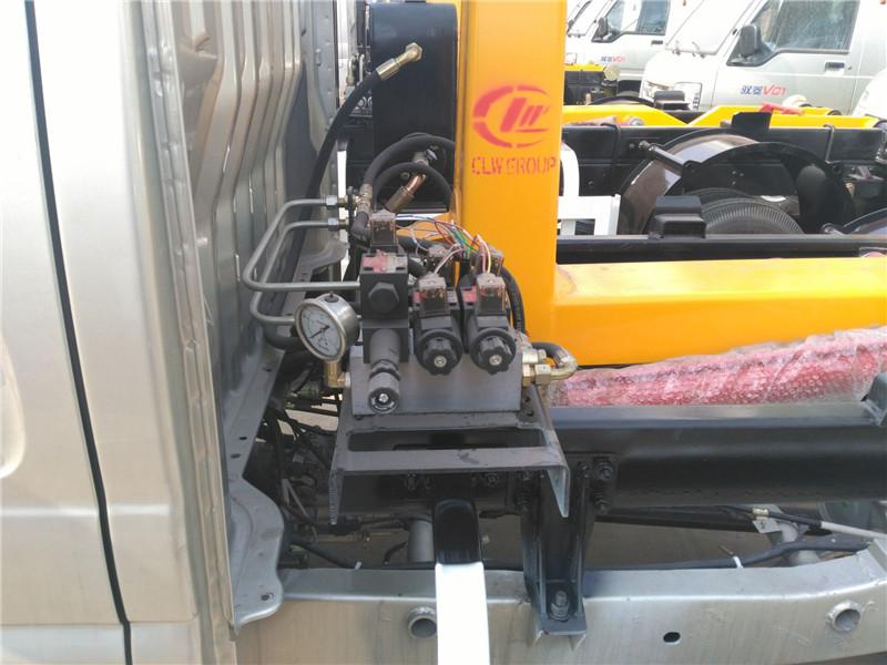 福田驭菱勾臂式垃圾车 3方勾臂垃圾车 多功能小型环卫垃圾车 长安勾臂垃圾车示例图16