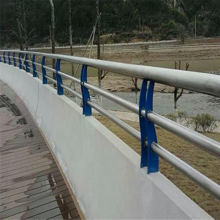 六盤水木棧道不銹鋼護欄 護欄鋼板立柱 木棧道不銹鋼護欄廠家訂做