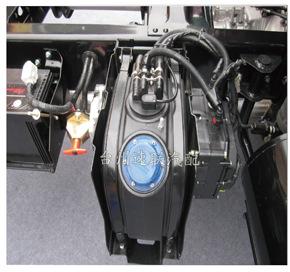 尿素管快插接头 SCR 催化还原排放控制系统管路快速接头示例图4