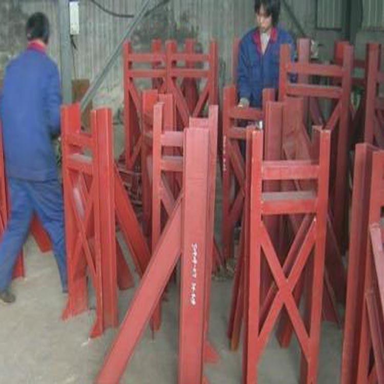 滄州致恒管道 LN水平圓形管道槽鋼焊接連環吊架 規格型號