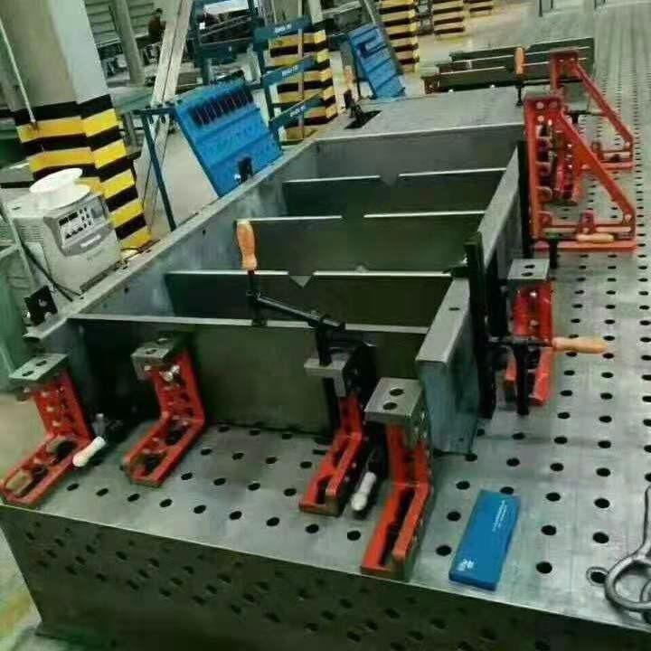 河北泊头优质 铸铁平台 T型槽平台 三维焊接平台 专业生产制造商泊头亮健机械