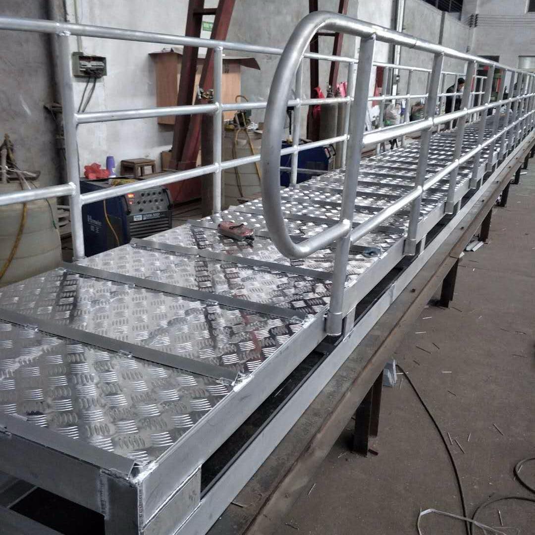 船用跳板厂家,码头梯,岸梯,舷梯需要定制认准宝恒