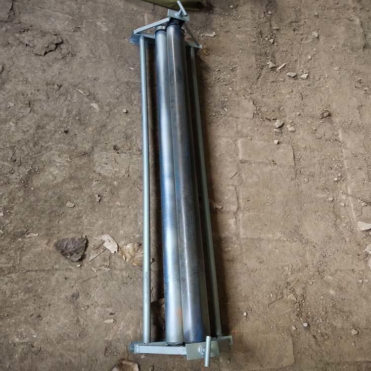 廠家生產銷售鐵皮保溫卷圓機,小型手動鐵皮卷圓機,手搖式鋁皮卷板機器,鐵皮壓邊機
