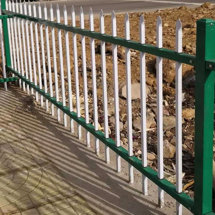 花坛护栏厂家 市政绿化围栏 草坪锌钢护栏道路 云旭 厂家供应
