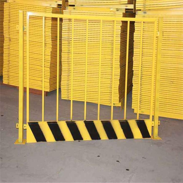 隔离基坑护栏 现货建筑工地红白临时栏杆 现货供应建筑工地施工基坑护栏 云旭 美观大方