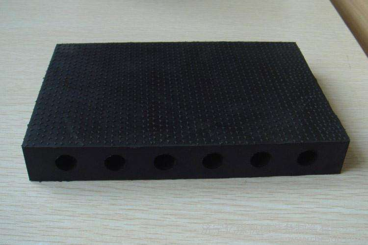張家口鋁箔橡塑板現貨銷售  世陽保溫  橡塑海綿保溫板現貨銷售