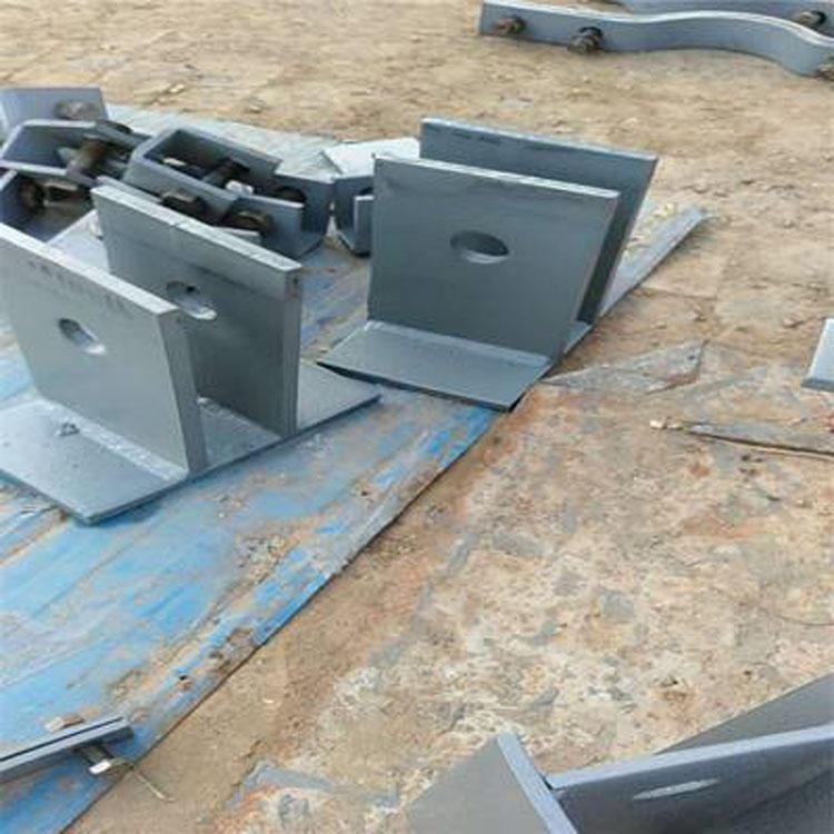 LH垂直圓形管道無墊板支架 LI垂直圓形管道帶墊板二支點支架 LJ垂直圓形管道帶墊板四支點支架 價格