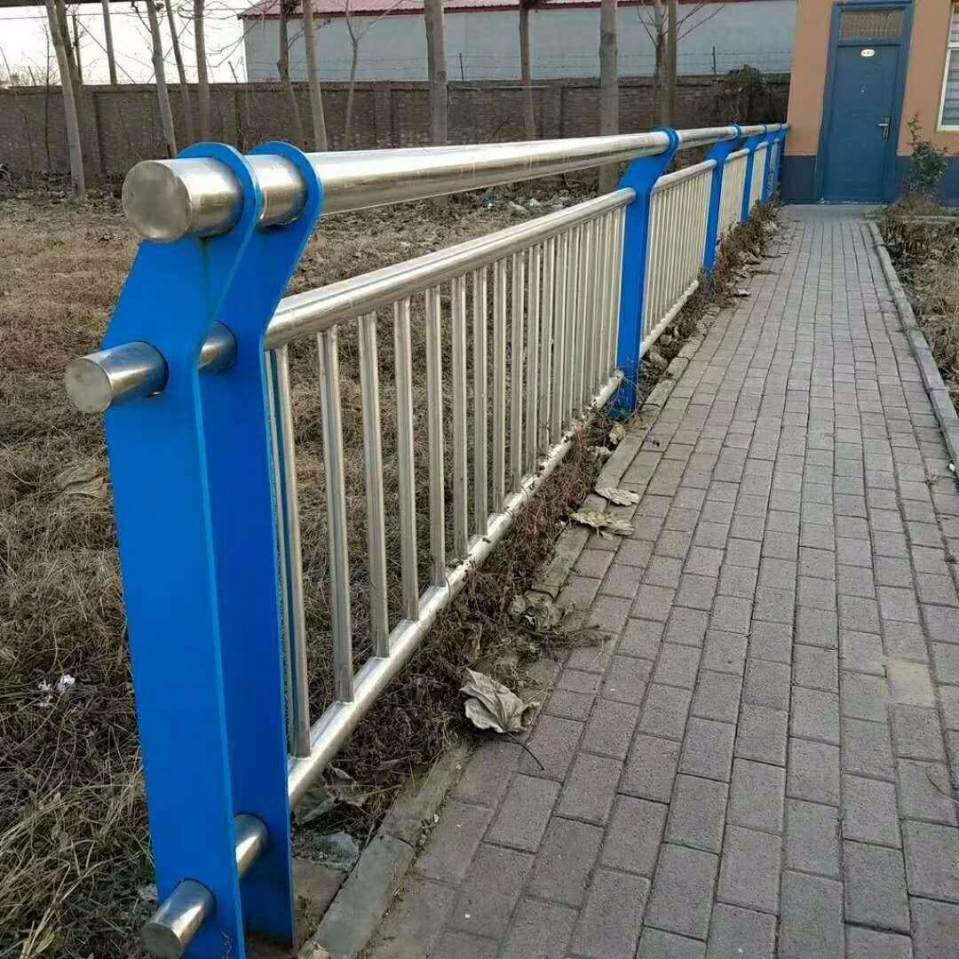 湖北宜昌護欄、不銹鋼復合管護欄、不銹鋼復合管橋梁護欄、防撞橋梁護欄鋼板立柱、不銹鋼復合管護欄制作