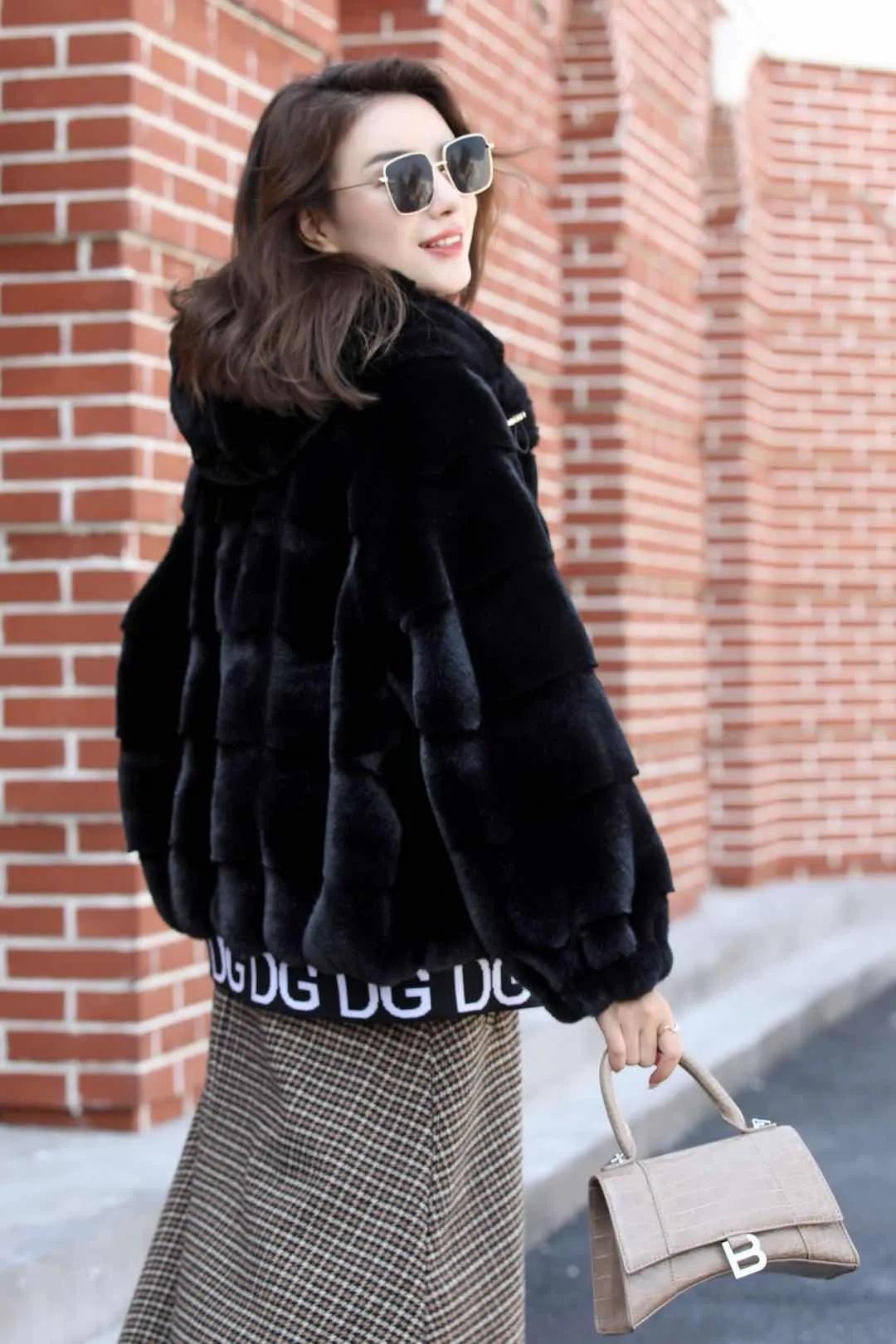 轻奢外套丹麦貂绒大衣女外套2021新款冬季中长款妈妈装一体时尚气质厚 商场货源供应示例图7