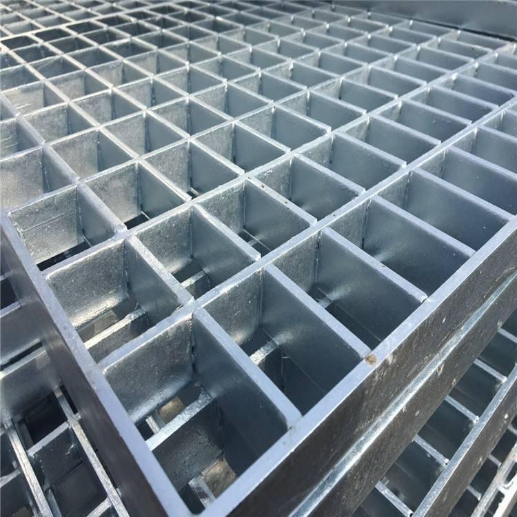 熱鍍鋅格柵板 市政建筑工程平臺踏步網格板 結實耐用 強度高自重輕 河北標盈
