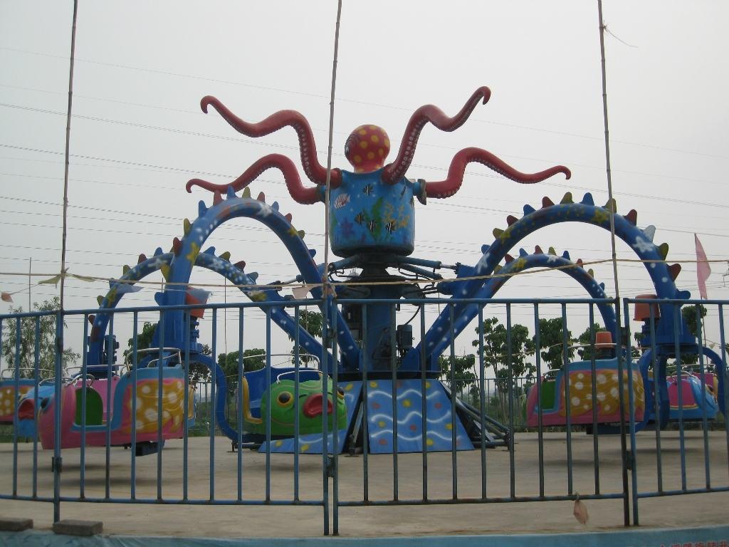 公园旋转大章鱼图片_新款5臂旋转大章鱼_郑州大洋30座旋转大章鱼示例图2