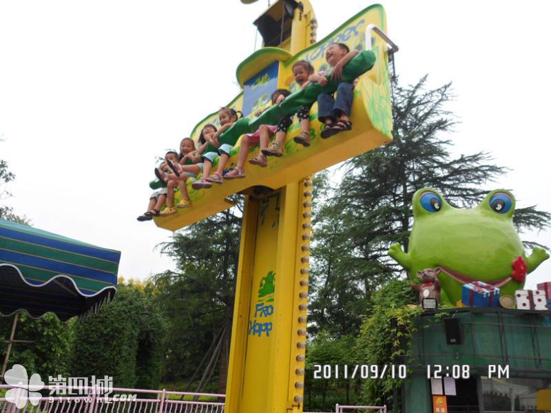 销售火爆公园游乐6座青蛙跳 迎六一十一大洋直销大型弹跳青蛙跳项目示例图5