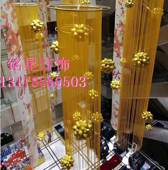 广州商场中庭装饰 节日元素灯光布置 圣诞节主题灯光设